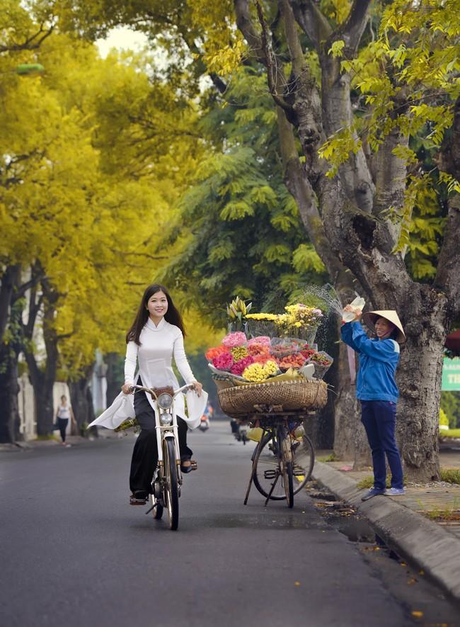 Hinh_anh_thieu_nu_lang_man_trong_chieu_thu_Ha_Noi_Anh_Thien_Ma